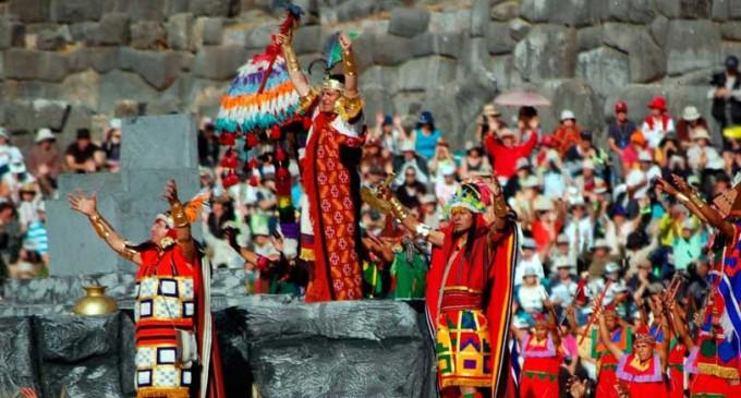 Летний праздник Инти Райми в Перу