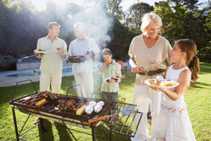 семейный пикник на природе