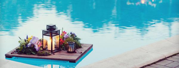 романтический ужин у бассейна