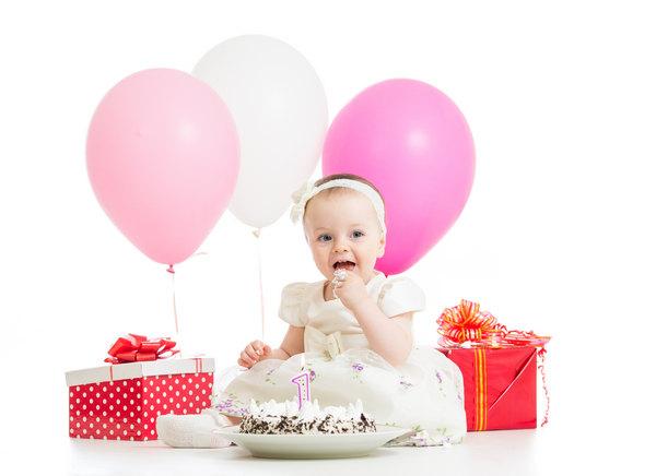 первый день рождение ребенка