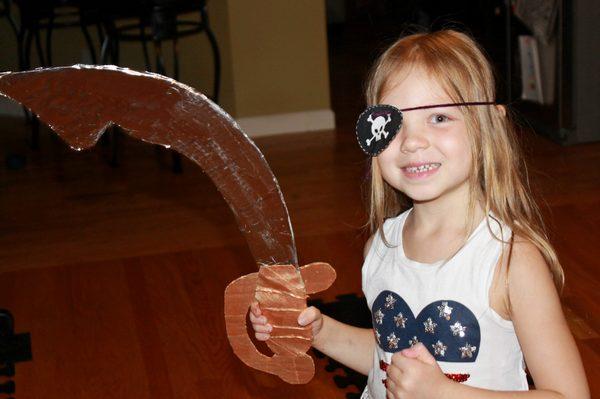 пиратская сабля из картона