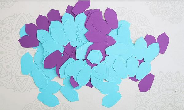 как украсить свечи цветами из бумаги